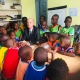 L'ambassadeur de France au Cameroun avec les enfants du centre Jardin Eden