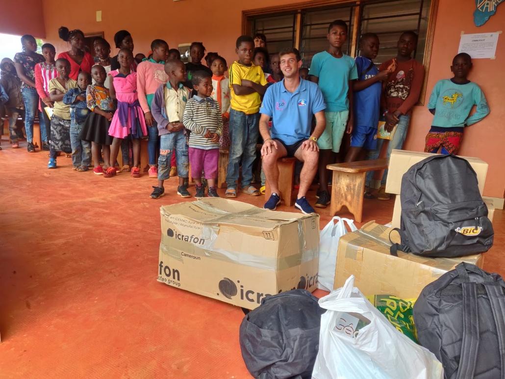 La donation Icrafon en présence de Victor