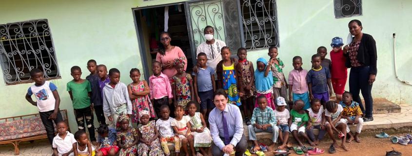 Visite de M. Olivier Cadic au centre Jardin Eden de Yaoundé